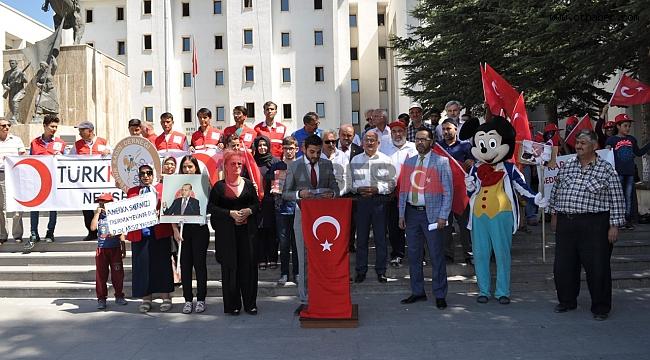 Nevşehir'de Trump'ın Fotoğrafını Yakıp Helvasını Yediler