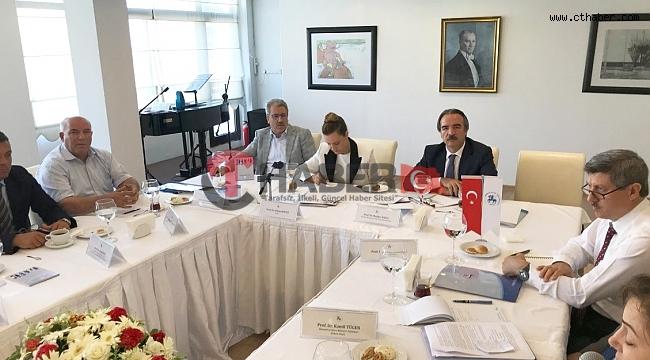 NEVÜ Rektörü Bağlı, 9 Eylül Üniversitesinde Ekonomi Toplantısına Katıldı