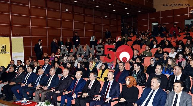 """REKTÖR BAĞLI """"ÇOCUK İSTİSMARINA DUR DE"""" ADLI SEMPOZYUMDA KONUŞTU"""