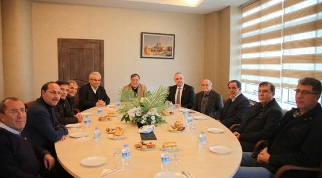 CHP HEYETİNDEN BAŞKAN PARMAKSIZ'A ZİYARET